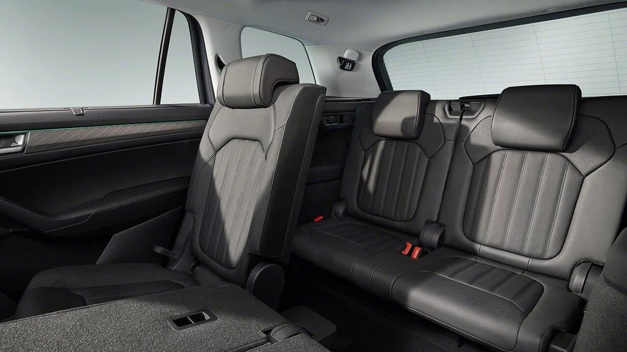 skoda-kodiaq-2021-diseño-asientos-traseros